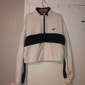 Cropped Hollister Half Zip Sweatshirt
